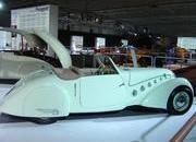 classic cars at paris motor show-103351