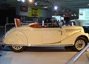 classic cars at paris motor show-103345