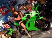 babes and motorcycle-166150