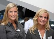 the babes of the 2011 frankfurt motor show-416942