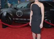 video robert downey jr. attends avengers premiere in an acura nsx roadster-449506
