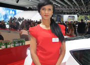 car girls of the 2012 paris auto show-475583