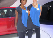 car girls of the 2012 paris auto show-475602