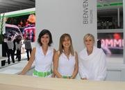 car girls of the 2012 paris auto show-475614