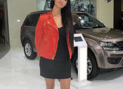 car girls of the 2012 paris auto show-475620