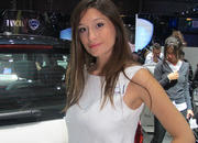 car girls of the 2012 paris auto show-475495