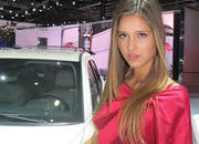 car girls of the 2012 paris auto show-475501