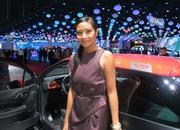 car girls of the 2012 paris auto show-475702
