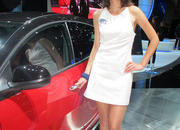 car girls of the 2012 paris auto show-475510