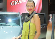 car girls of the 2012 paris auto show-475525