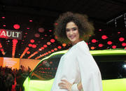 car girls of the 2012 paris auto show-475548