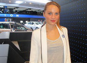 car girls of the 2012 paris auto show-475554