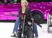 the ladies of the 2013 geneva motor show-496448