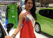 the ladies of the 2013 geneva motor show-496330