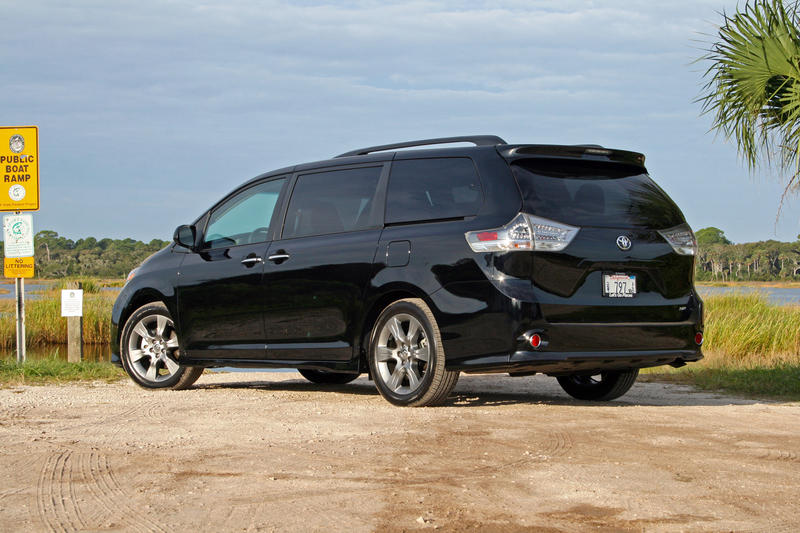 toyota car show in chicago giveaways 2015   autos post